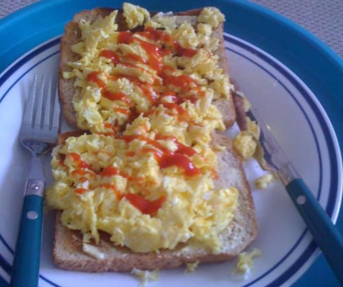 17. Scrambled eggs and ketchup on toast.