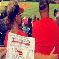 Two Sisters Notice Woman In Front Of Them Texting Another Man — Then Tell Her Husband In A Note