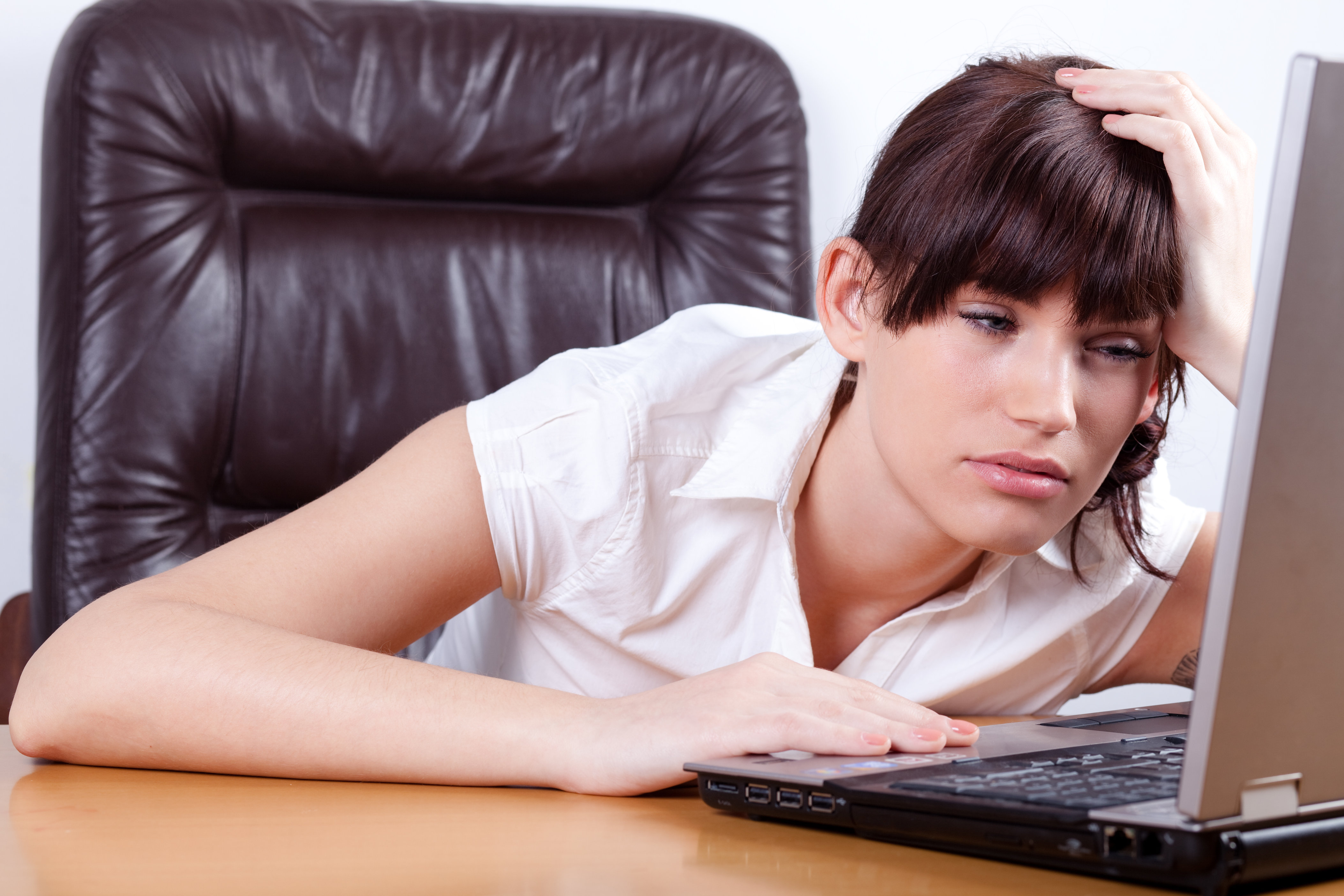 4. Lack of proper sleep minimises your work efficiency.