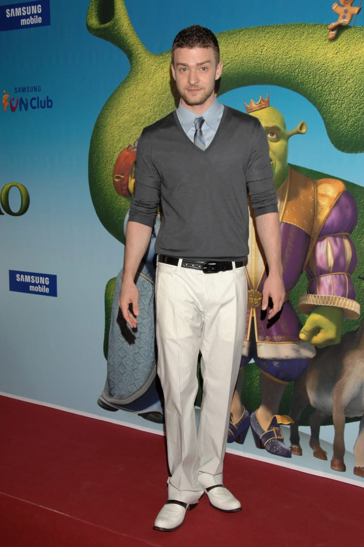 19. 2007 was also the year Justin Timberlake would rock a shirt and tie under a sweater with oversized khakis to the Shrek the Third premiere.
