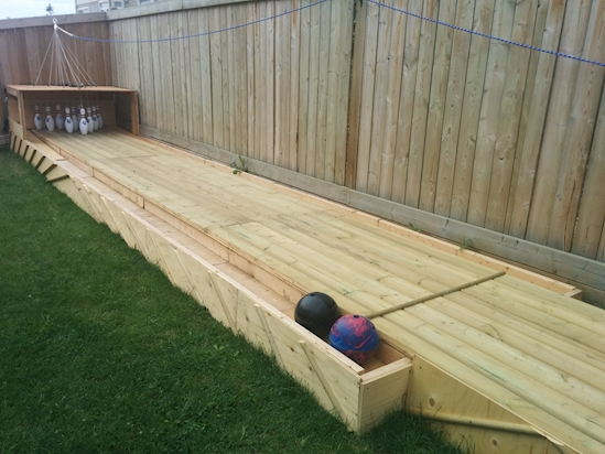 Viralitytoday Here S A Fun Backyard Bowling Idea For This